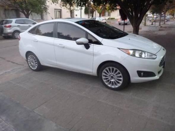 Car Ford Fiesta KD Titanium