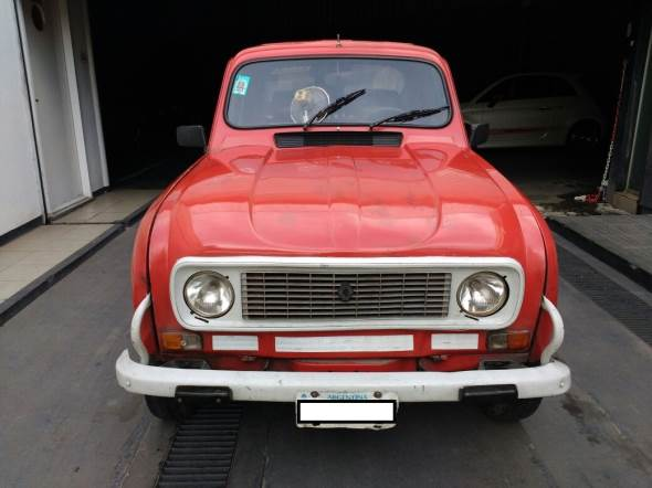 Auto Renault 4 Pick Up