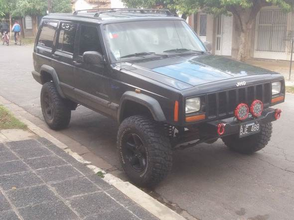 Car Jeep Cherokee