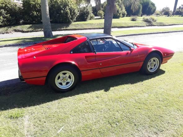 Auto Ferrari 308 GTS