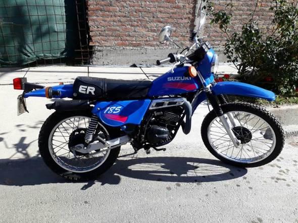 Suzuki TS 185 Motorcycle