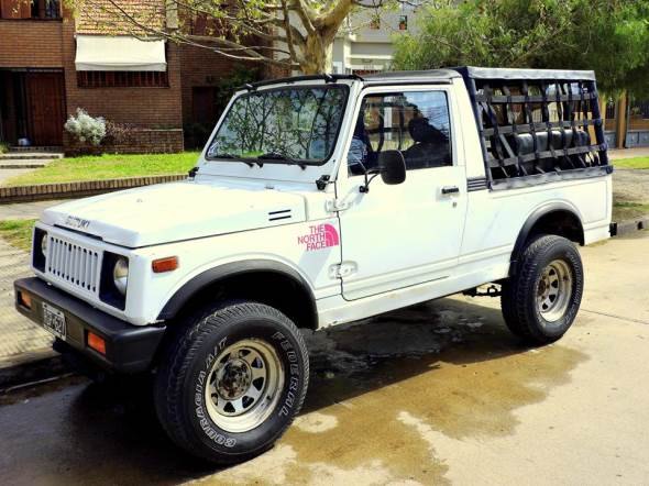 Car Suzuki Maruti Gypsy 4x4