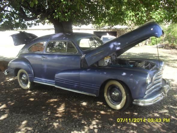 Auto Pontiac 1947 Coupé Sedán