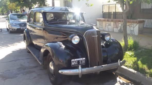 Car Chevrolet De Luxe 1937