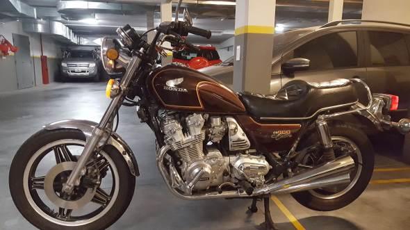 Motorcycle Honda CB 900 Custom