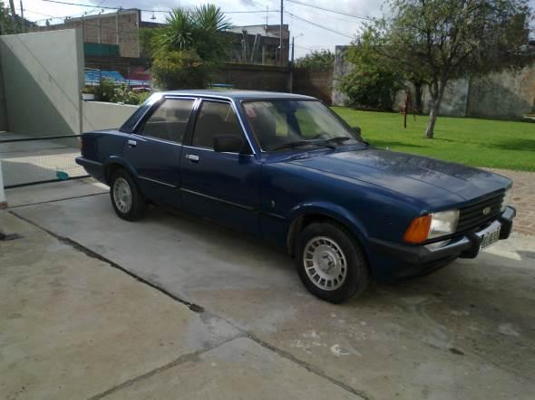 Car Ford Taunus Ghia 2.3