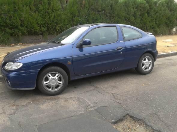 Car Renault Coupé Megane