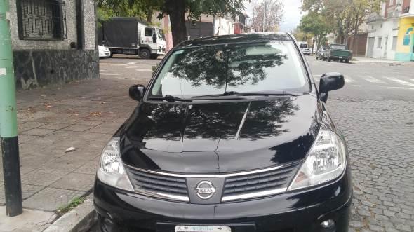 Car Nissan Tiida Tekna 09