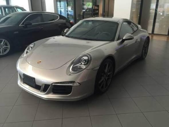 Car Porsche 911 S