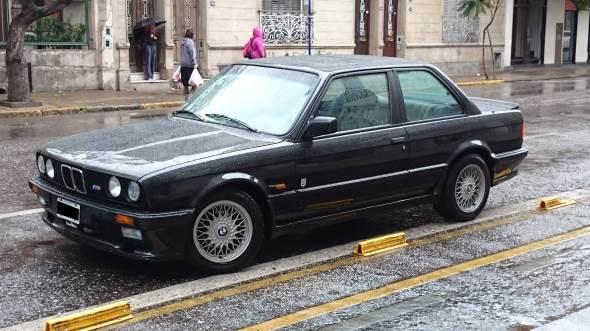 Auto BMW 320i