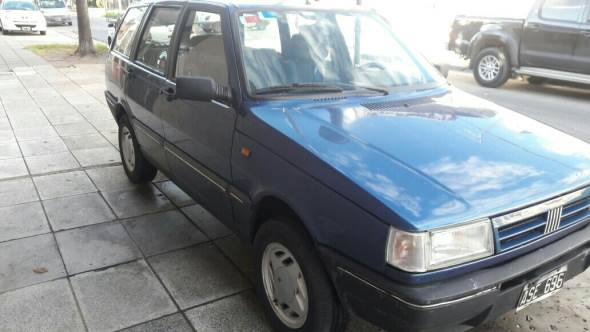 Car Fiat Duna Weekend