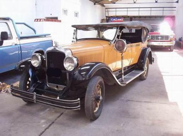 Car Oakland Double Phaeton