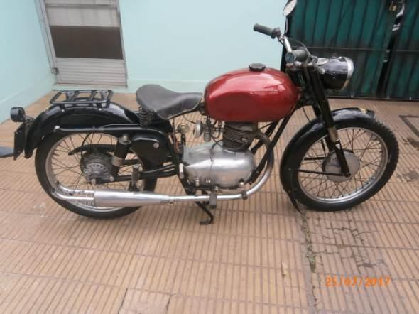 Moto Gilera 150 Sport