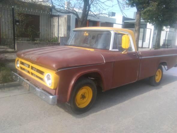 Auto Dodge D200