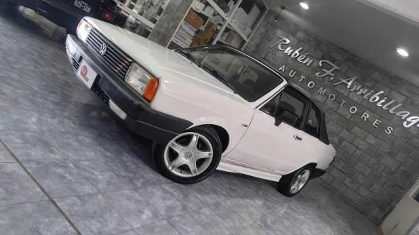 Auto Volkswagen Voyage Sport