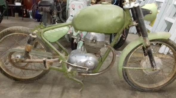 Motorcycle Parilla 125