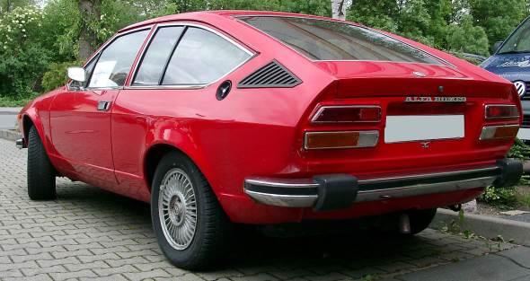 Car Alfa Romeo GT 1600