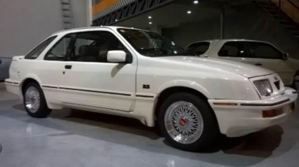 Car Ford Sierra