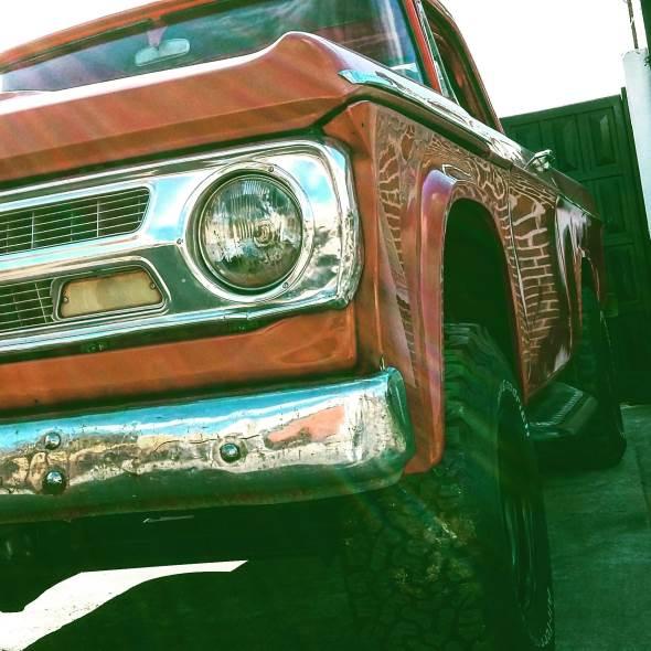 Auto Dodge D100