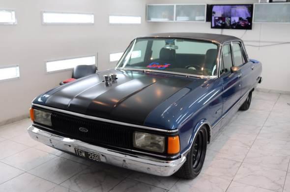 Car Ford Futura