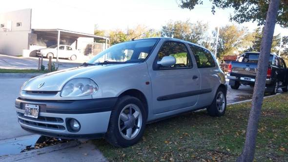 Car Renault Clio Sport 1.6 16v