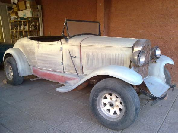 Car Chrysler 1931 Roadster Convertible
