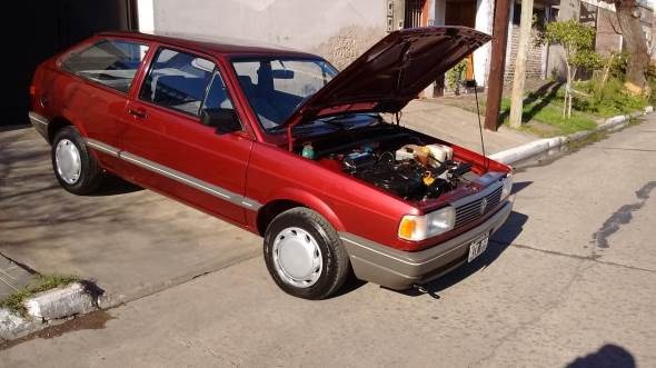 Car Volkswagen Gol GL 1.6