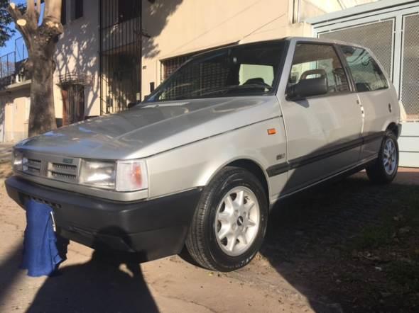 Car Fiat Uno SCR 1993