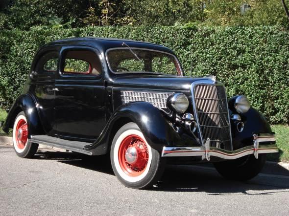 Car Ford 1935