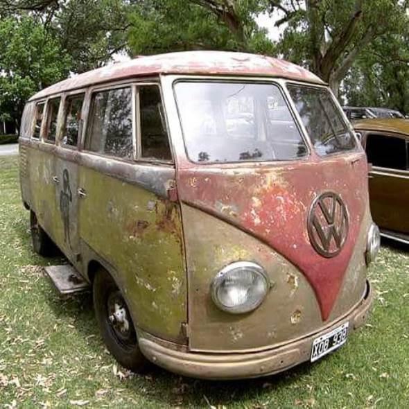 Auto Volkswagen Kombi Barndoor