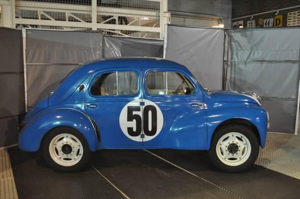 Car Renault 4CV