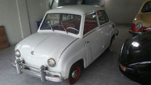 Car Isard 400