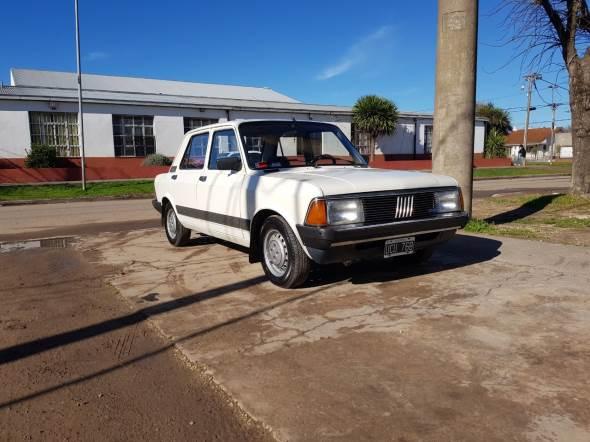 Auto Fiat 128 Super Europa 1989