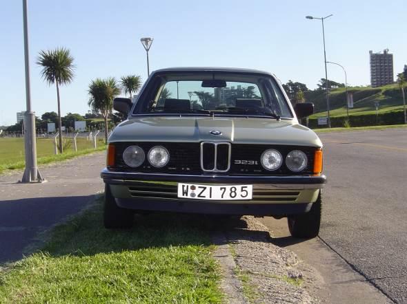 Car BMW 323 I