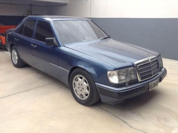 Car Mercedes Benz 300E 1988