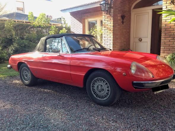 Car Alfa Romeo Spider 2000