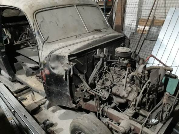 Car Ford Coupé V8