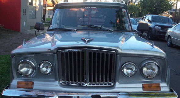 Car IKA Jeep Gladiator