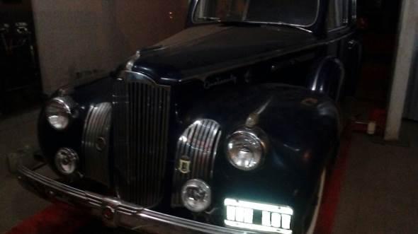 Car Packard 120 1942