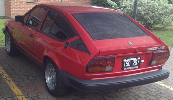 Auto Alfa Romeo GTV 2.0 Alfetta