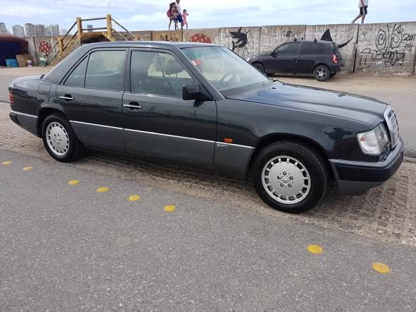 Auto Mercedes Benz E 300