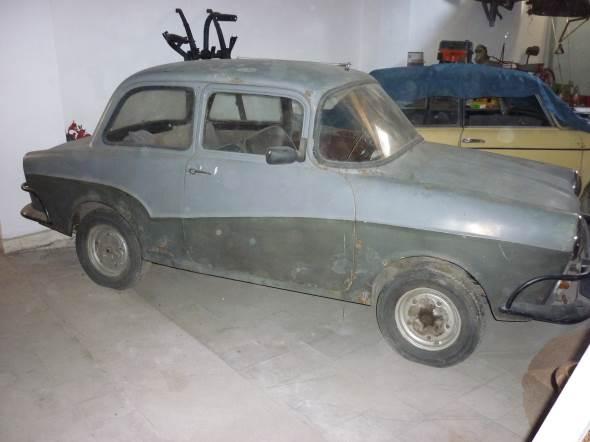 Car Isard T700