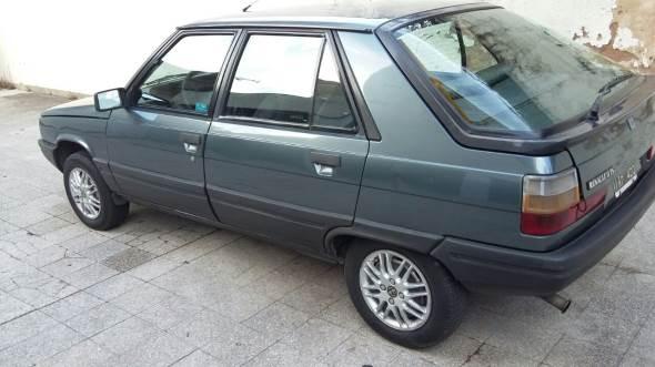 Car Renault 11 TS 1989