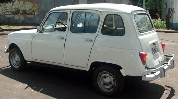 Car Renault 4-S