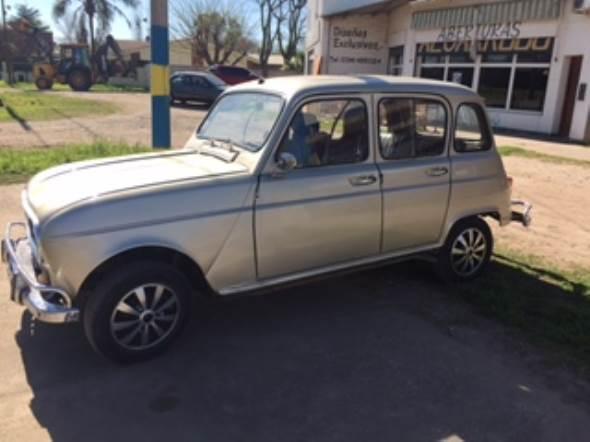 Auto Renault 4 1973