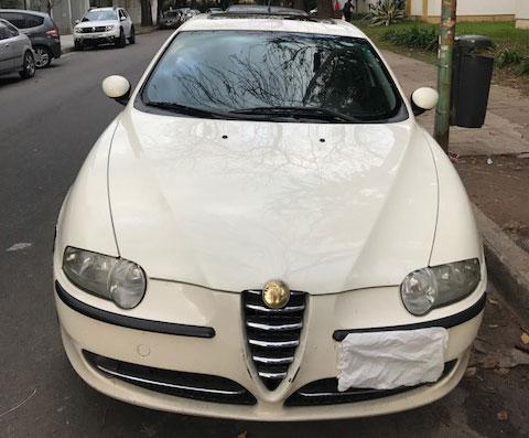 Car Alfa Romeo Sedán 147