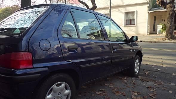 Car Peugeot 106