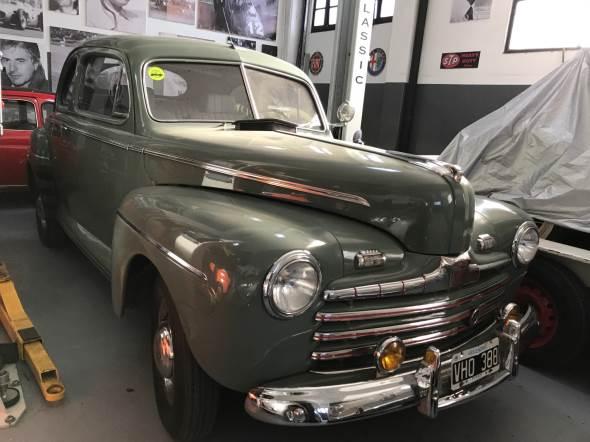 Auto Ford 1946 Super Deluxe