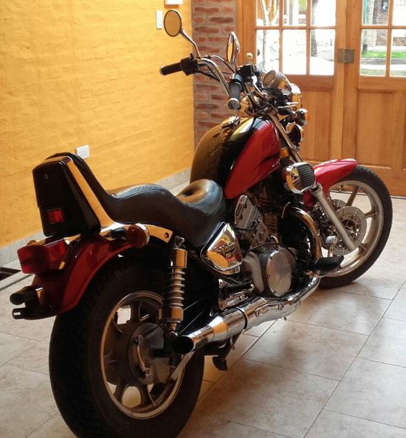 Kawasaki VN Vulcan 750 Motorcycle