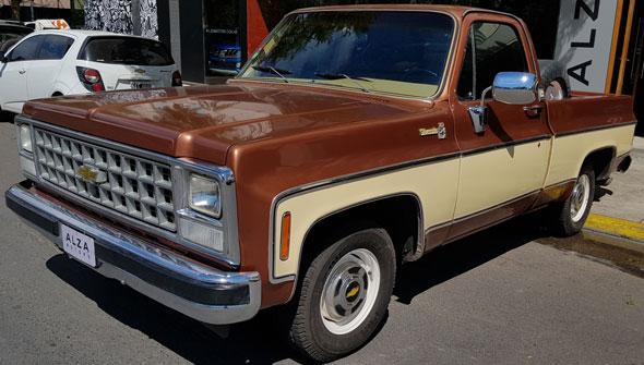 Auto Chevrolet C10 Silverado